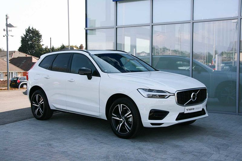 Volvo XC60 T8 Twin Engine (Panoramic Sunroof, Front Park Assist, Cruise Control)
