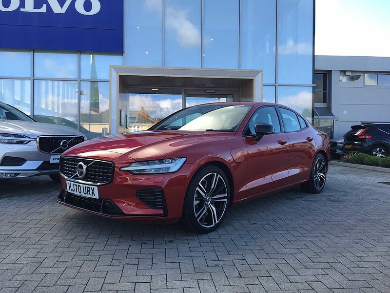 Volvo S60 III R-Design Recharge T8 Plug-in hybrid AWD (Xenium Pack, Winter Pack, HK Audio)