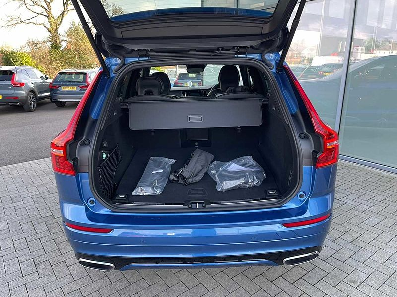 Volvo XC60 II T8 Plug-in hybrid AWD R-Design Pro (B & W Audio, Lounge Pack, Climate Pack)