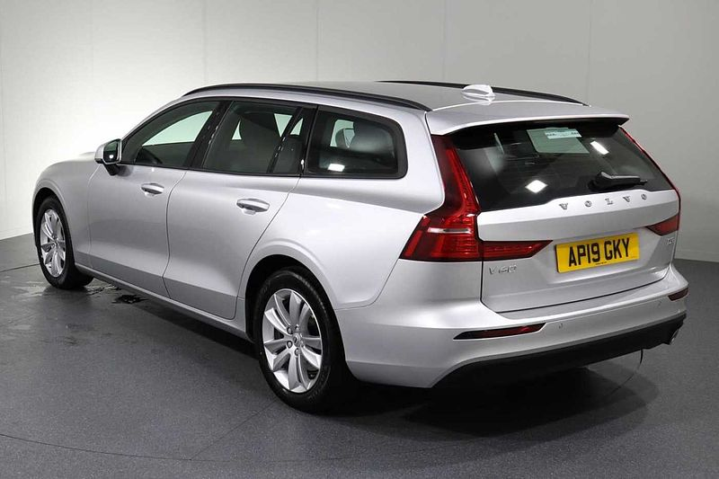 Volvo V60 II D3 Momentum Pro Automatic, Heated Seats, Heated Screen, Rear Park Assist