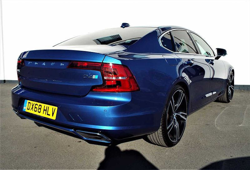 Volvo S90 D4 R-Design Pro Automatic (Intellisafe Surround, Parking Camera 360*, Heated Front Seats)