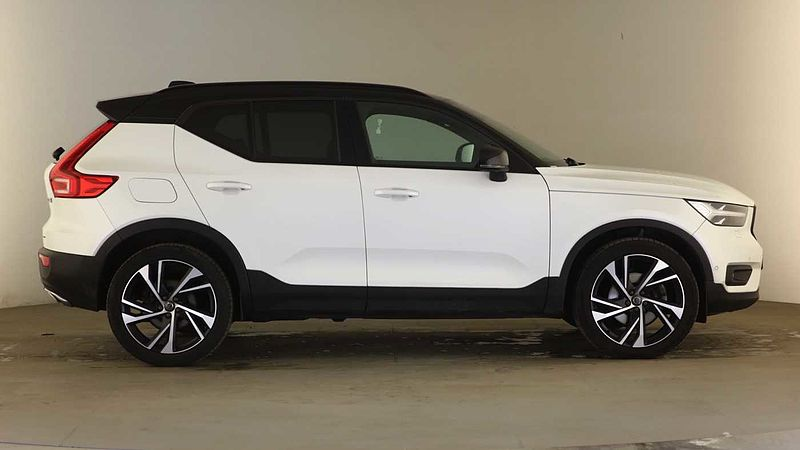 Volvo XC40 D4 AWD First Edition Auto(Heated Seats, Glass Sunroof, Wireless Phone Charge)