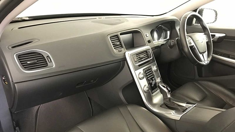 Volvo S60 T4 SE Lux Nav Automatic (Sunroof, Adaptive Cruise, Blis, Winter, Front & Rear Park Asssit)