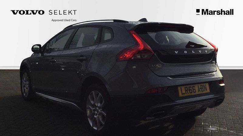 Volvo V40 CC T3 (152 bhp) Cross Country Pro Auto, Winter Pack, FULL LEATHER INTERIOR, LED Headlamps, DAB Radio, NAVIGATION SYSTEM, Heated Front Seats & Windscreen